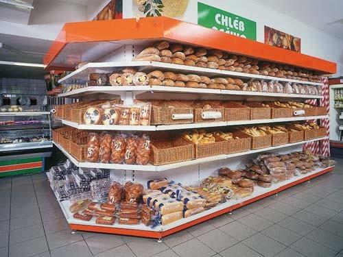 Ukázka prodejního regálu na pečivo