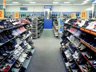 Regály do prodejen s obuví